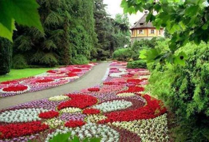 Ландшафтные дизайны цветов
